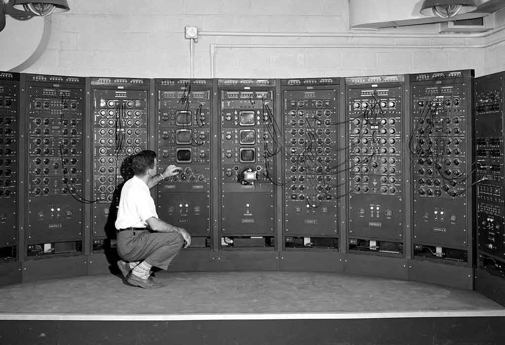 analog-computing-machine